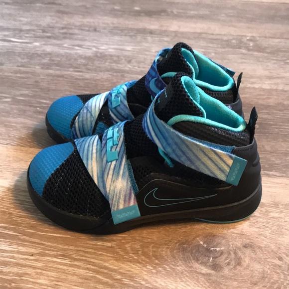 6b8b45c9b53 🎈SALE🎈Nike Lebron James Athletic shoes! Size 9C.  M 5bbb65e261974588cbd12cf1